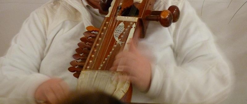 Přednáška O meditace ve Zlíně a hra na sarangi