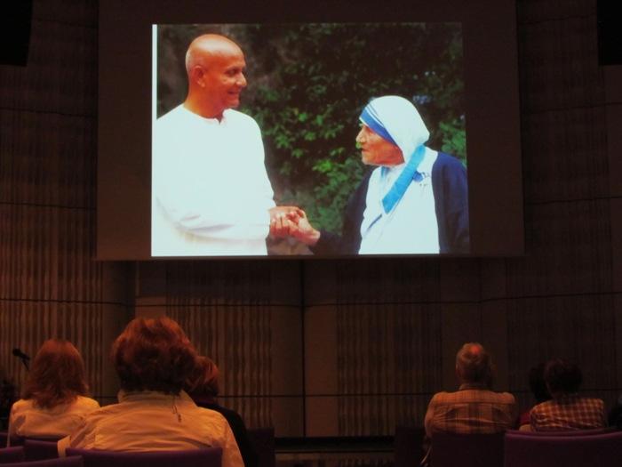 Setkání Sri Chinmoye s Matkou Terezou